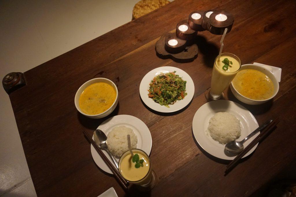 夕食のマッサマンカレー