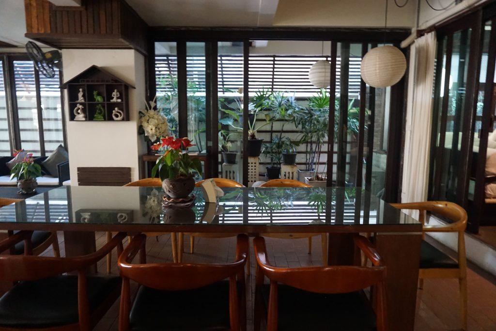 カンペーンガムホテルの朝食レストラン