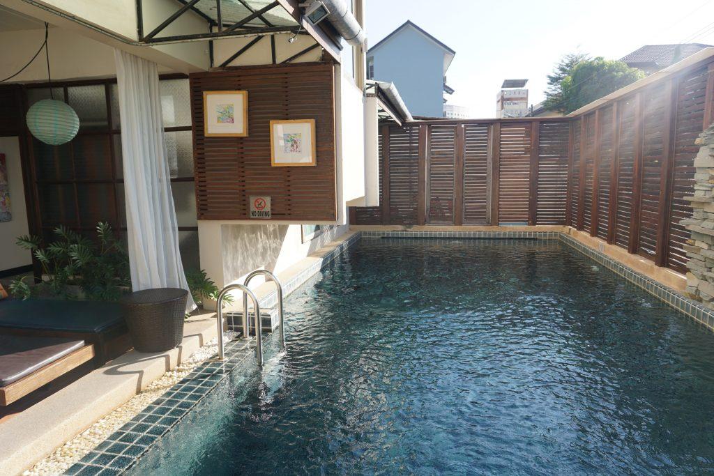 カンペーンガムホテルのプール